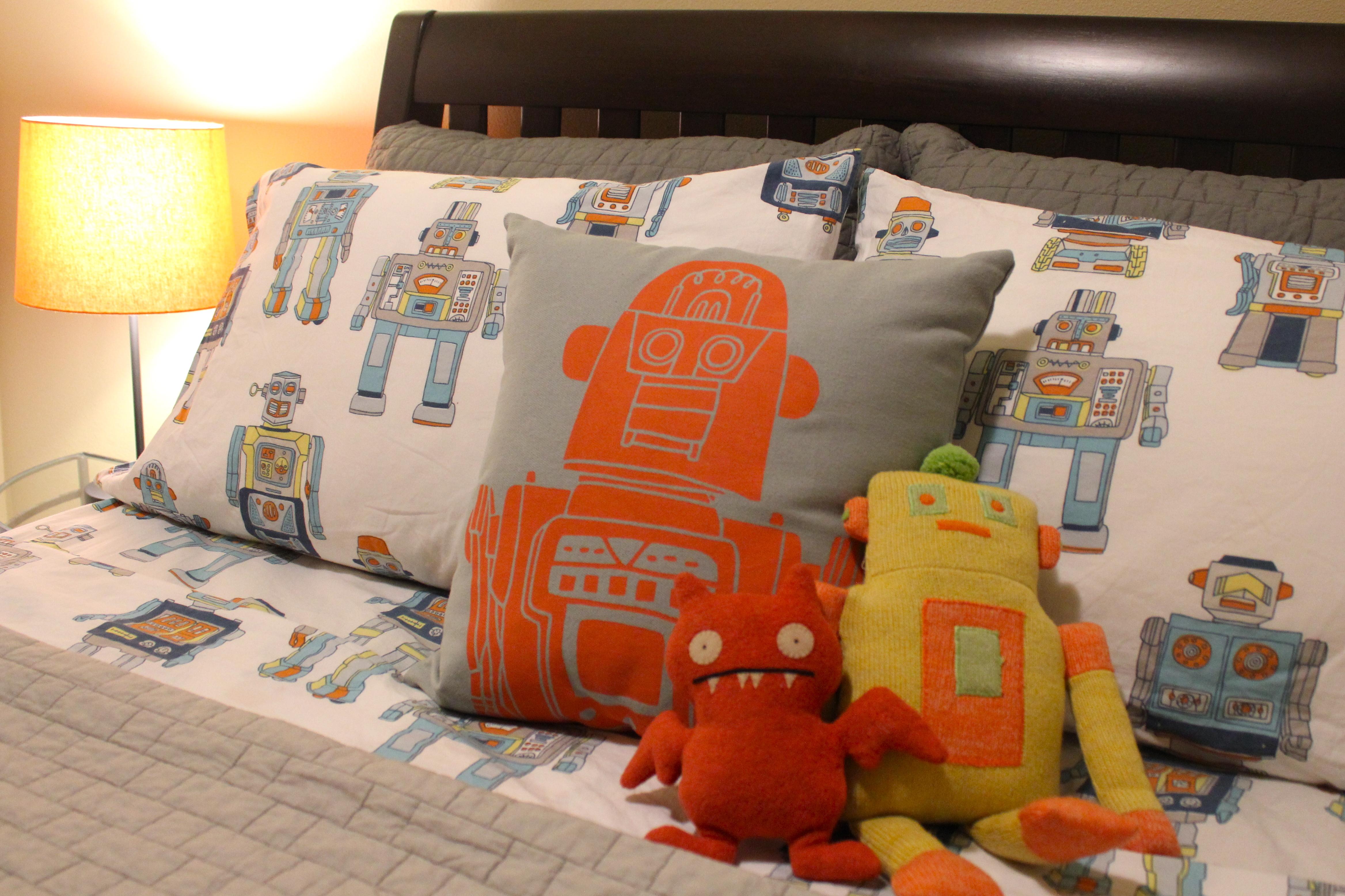 Robot bedroom the lush nest for Robot bedroom